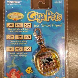 Virtual Giga Pets - Collectible